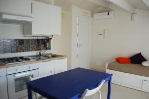 unità 4 - cucina soggiorno, con divano letto singolo/matrimoniale